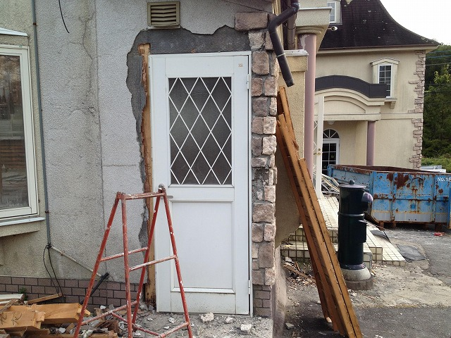 小屋作りワークショップ準備 ~扉と窓を入手!~