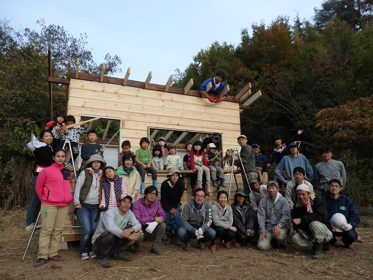 小屋作りワークショップ 第三工程 ~壁板貼り~