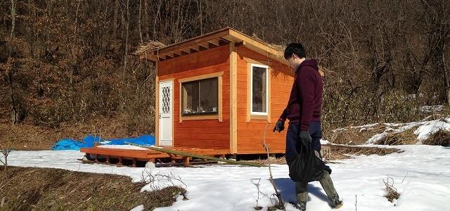 白銀の世界で小屋で寝泊まり ~暖房できるといいな~