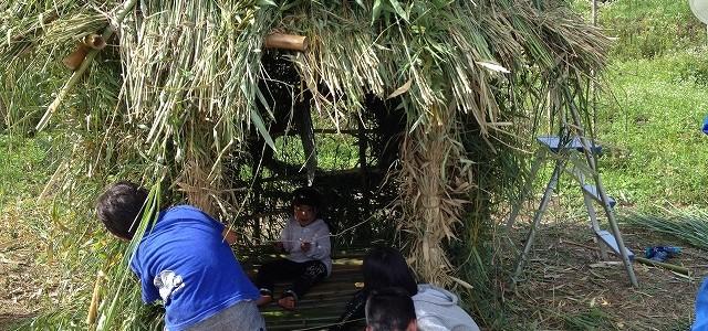 竹の秘密基地作り Day3の様子 ~屋根、窓作り~
