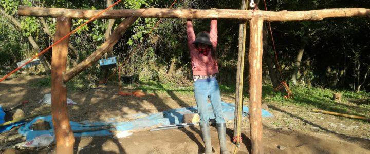木と土の家作り(cordwood house) 平日ボランティアさんと