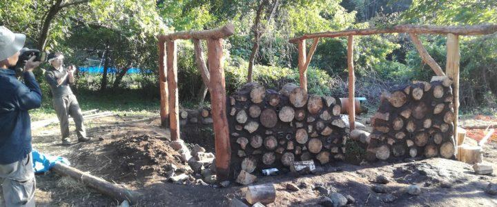 木と土の家作り cordwood house 第六回の様子